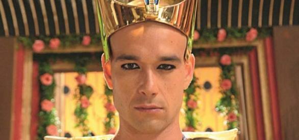 Faraó sobreviverá e voltará para seu palácio