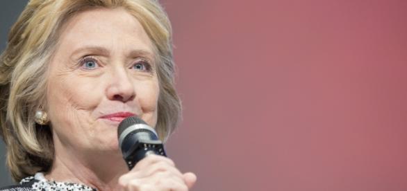 Pré-candidata democrata defende controle de armas