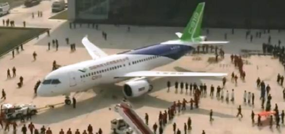 Primer avion de pasajeros Made in China
