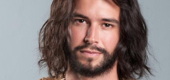 Bernardo Velasco vive Eleazar em trilogia