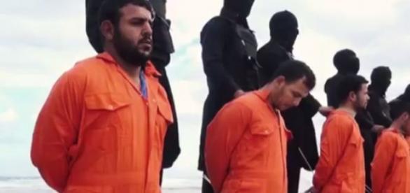 Estado Islâmico continua matando inocentes.