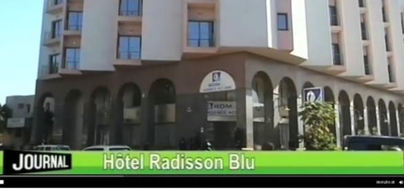 Hotel Radisson Blu w Bamako (YT scrn)