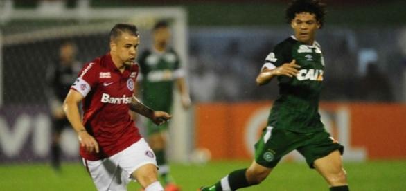 Inter, de D'Alessandro, perdeu para a Chapecoense