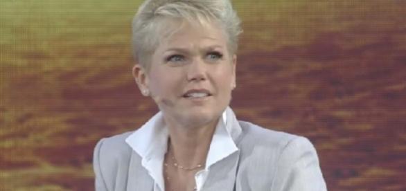Record pode tirar programa ao vivo de Xuxa
