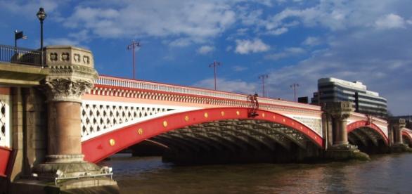 A Ponte de Blackfriars, perto do local da detenção