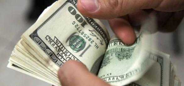 Até o dólar entra na promoção da Black Friday