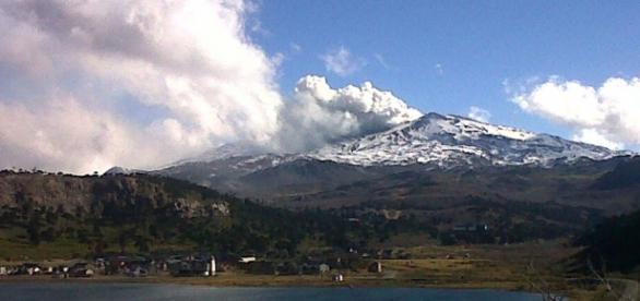 El estratovolcán ya despertó en el año 2013.