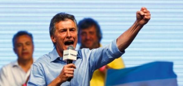 Macri vence e poe fim à era Kirchner