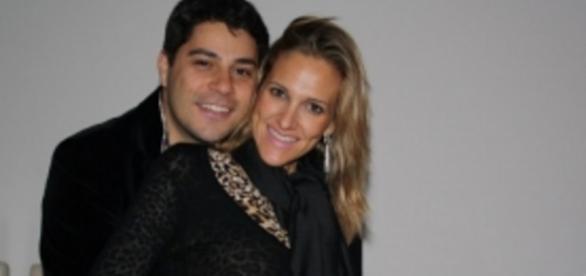 Evaristo Costa socorre esposa, que sofre três AVCs