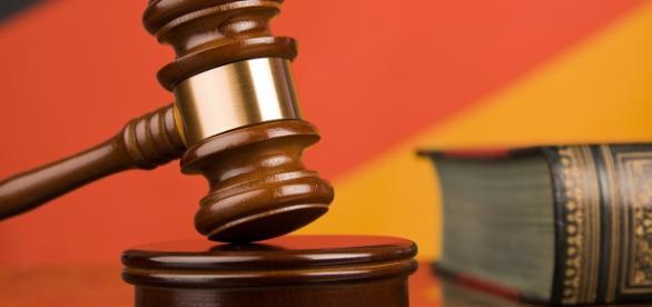 Justiça obriga banda a recontratar jornalista