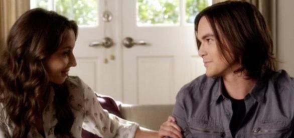 Pretty Little Lias: Spencer und Caleb.