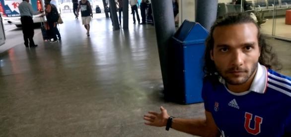 'Chileno' Thiago Lyra na Rodoviária de Niterói.