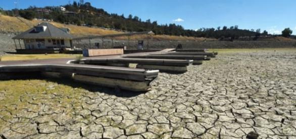 Boat docks on dry land (Folsom Lake, Sacramento)