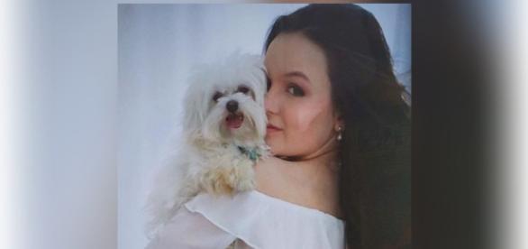Larissa Manoela sofre pela perda do seu cãozinho