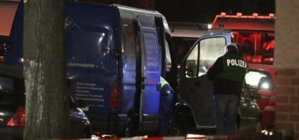 Policja: brak broni i bomby (Foto:T.Schröder)
