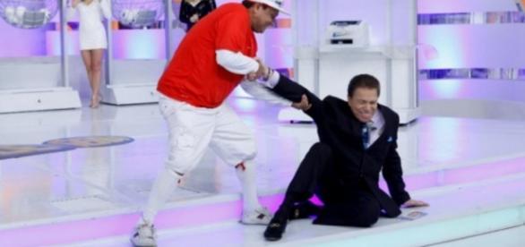 Silvio Santos sofre acidente em casa