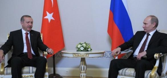 Os presidentes Putin e Erdogan - Rússia e Turquia