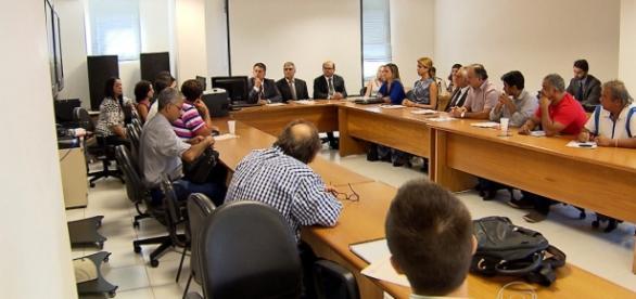 Reunião da empresa com os funcionários