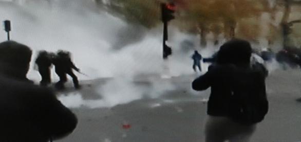 La rivolta dei Parigini contro il no di Hollande