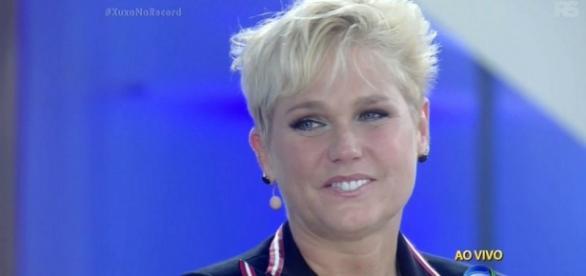 Xuxa pede perdão à Record por censura