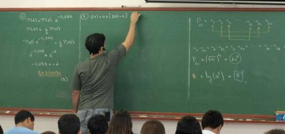 Contratação de professores em Goiânia