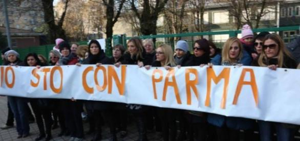 Padres y profesores se solidarizan con el director