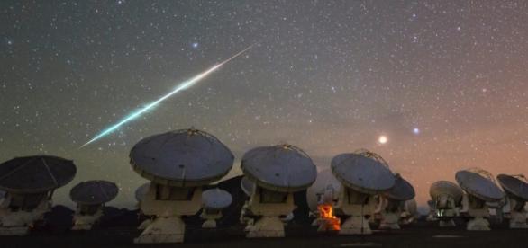A busca por dados sobre OVNIs deve ser constante.