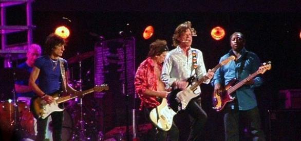 Actuación en directo de The Rolling Stone