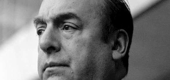 El poeta chlileno Pablo Neruda en 1963