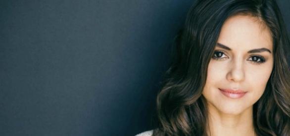 Leslie-Anne Huff será Rayna em The Vampire Diaries