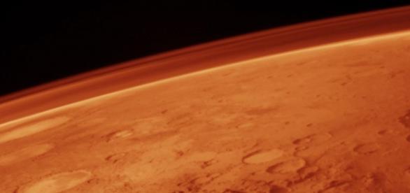 Marte possui uma tênue atmosfera atualmente.