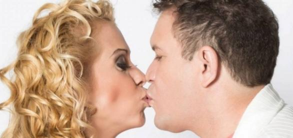 Assinatura de divórcio entre Joelma e Chimbinha