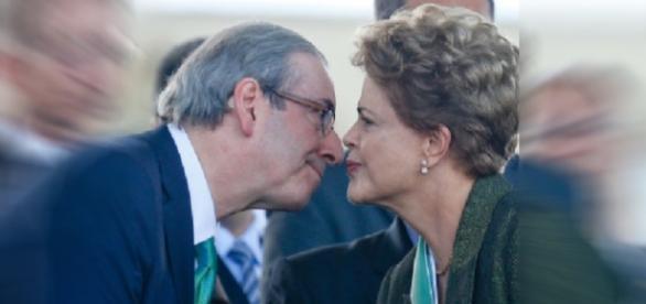 Cunha ameaça Dilma com impeachment