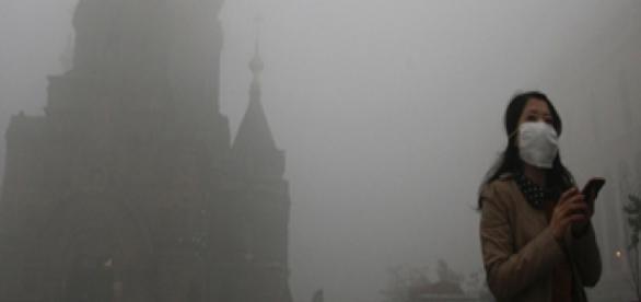 Densa névoa cinzenta que envolveu Pequim