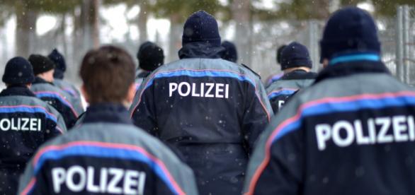 As autoridades suíças procuram quatro pessoas.