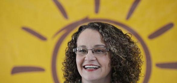 Luciana Genro quer eleições gerais em 2016