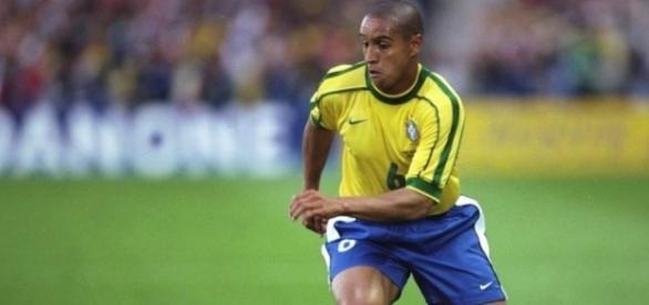 Roberto Carlos escalou o seu time dos sonhos
