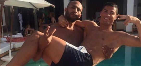 Cristiano Ronaldo e o lutador em Marrocos