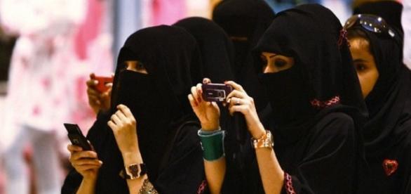 Mujeres saudíes en Riad #saudiwomenvote