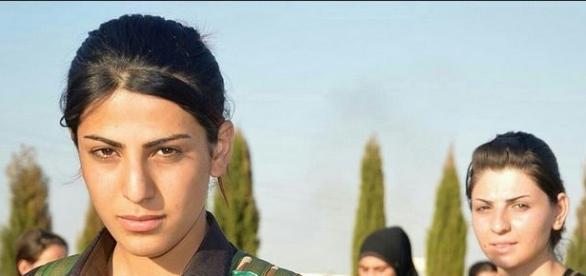 luptătoarele yazidi pun pe fugă teroriști