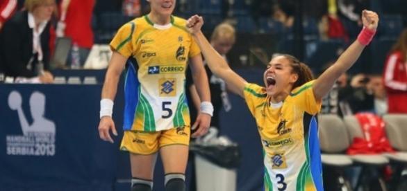 Bucuria fetelor noastre după meci