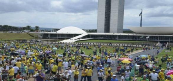 Pessoas foram às ruas em Brasília