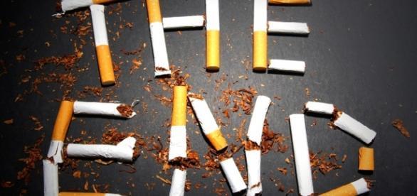 Legea care interzice fumatul a fost adoptată
