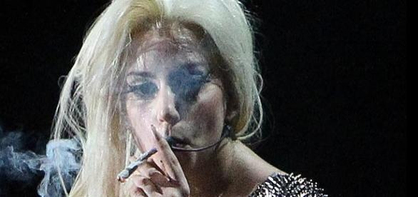 O româncă distrusă de sex și droguri