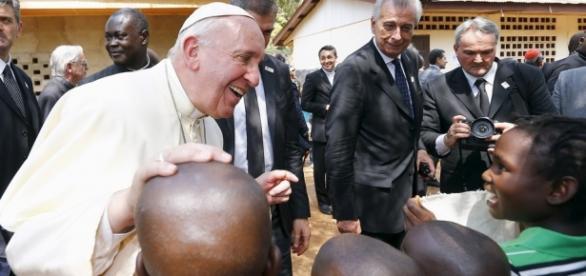 Papa Francesco chiede amnistia e indulto