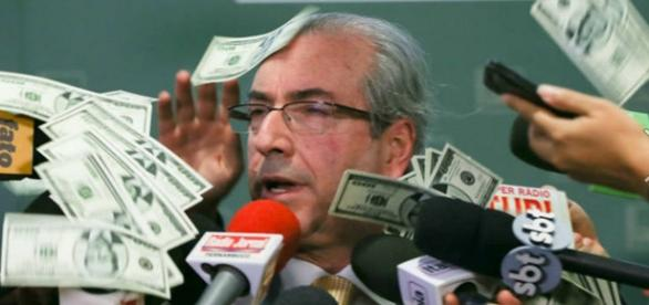PF faz buscae apreensão nas casas de Eduardo Cunha