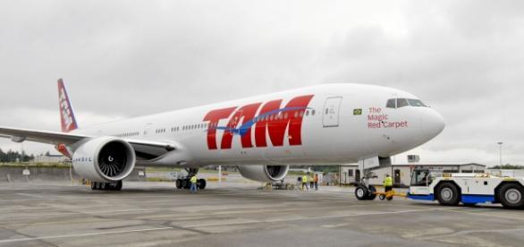 Suspeita de bomba em avião da TAM
