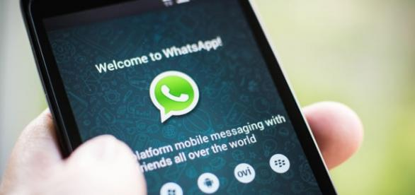 Criador do WhatsApp critica bloqueio
