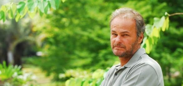Kadu Moliterno é Hassan em 'A Terra Prometida'