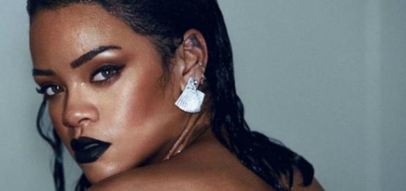 Rihanna deslumbra em novo vídeo